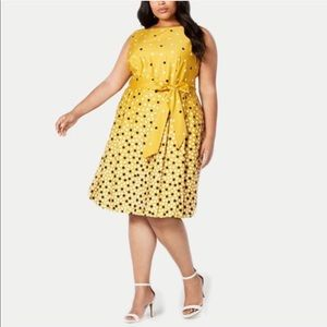 Anne Klein | Plus Size Scattered Dot Belted Dress